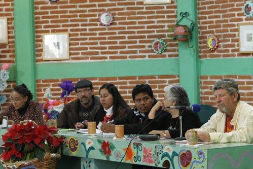 """Le 3ème séminaire international de reflexion et d'analyse intitulé """"… Planète Terre: mouvements anti-systémiques…"""" a débuté ce matin à l'Université de la Terre-CIDECI Las Casas, à San Cristobal de las […]"""