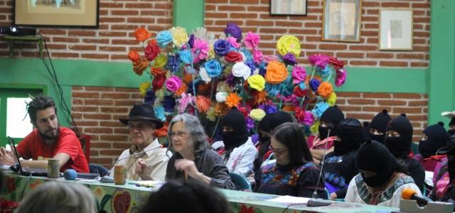 """""""Diez, mil veces, siempre venceremos"""". Termina la segunda sesión del """"ConCiencias por la Humanidad"""". Texto por Colectivo Radio Zapatista. México, 31 de diciembre, 2017. Este sábado se realizó la última […]"""
